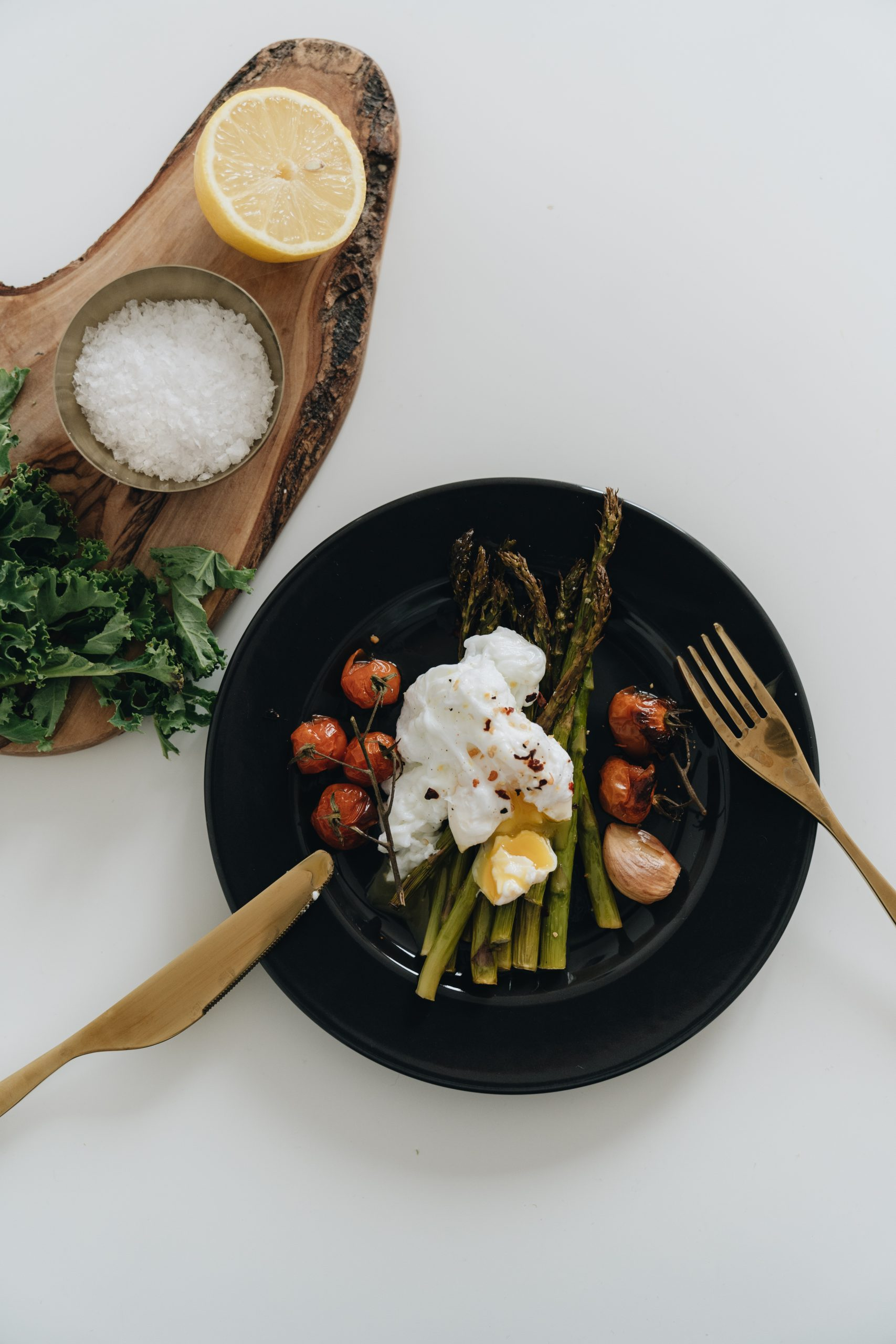 top view of asparagus on plate 4050989 scaled